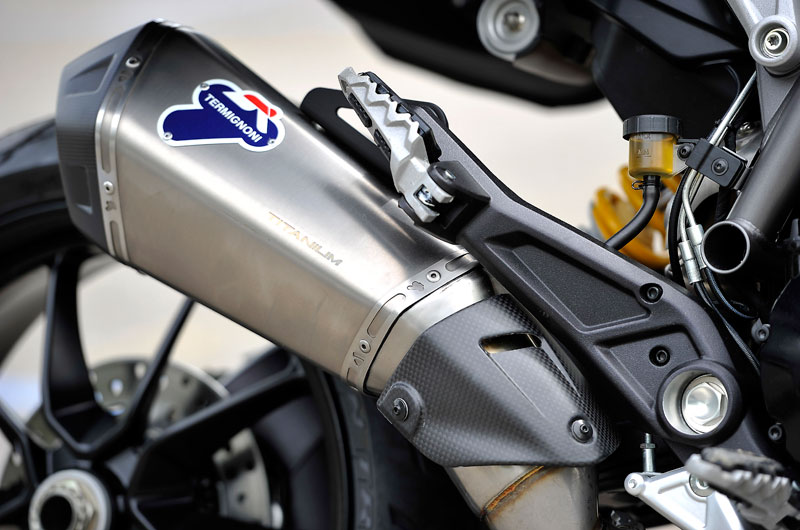 D136_7-Hyperstrada_Ducati_Performance_05